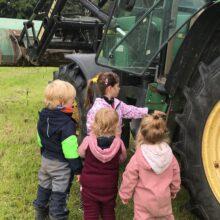 Tageskinder Traktor